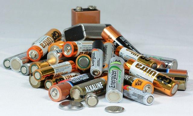 Stapel batterijen voor de Accu Reviesie Programma Review